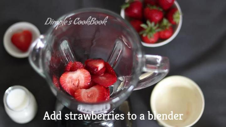 Strawberry_Milkshake_DimplesCookBook (5)